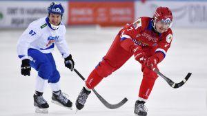 Mikko Lukkarila (vas.) ja Venäjän Sergei Lomanov. Kuva vuodleta 2018