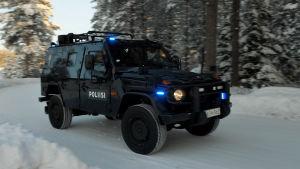 Poliisin käyttöön hankittu panssariauto Oulussa helmikuussa 2019.