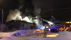 12.2.2019 pienpuuteollisuushallin palo Kempeleessä