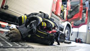 Palomiehen varusteet valmiina.
