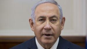 Pääministeri Benjamin Netanjahu osallistui hallituksensa tapaamiseen sunnuntaina.