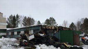 Haapajärven vedenpuhdistamona toiminut rakennus vaurioitui tulipalossa.