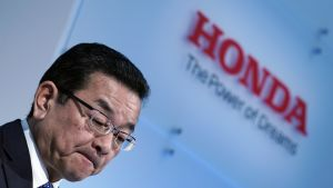 Hondan toimitusjohtaja Takahiro Hachigo kertoi Swindonin tehtaan sulkemisesta Tokiossa.
