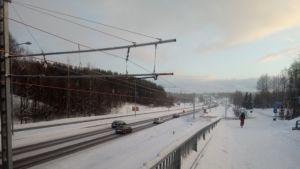 Tampereen Vuohenojalla pätkä ajojohtimia oli paikoillaan jo tammi-helmikuun vaihteessa 2019.