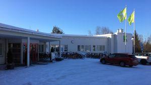 Karelia-ammattikorkeakoulun rakennus Joensuun Tikkamäellä.