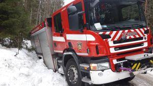 Paloauto ojasssa Varkaudessa.