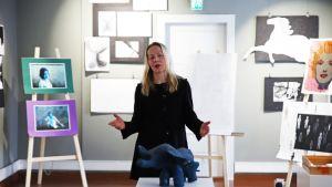 Kuvataideopettaja Saila Sippola.