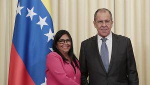 Venezuelan varapresidentti Delcy Rodriguez ja Venäjän ulkoministeri Sergei Lavrov Moskovassa 1. maaliskuuta.