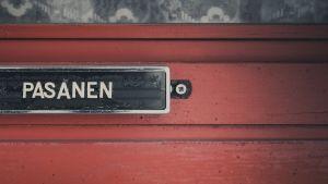 Tauno Pasasen ovi.