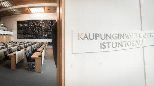 Kaupunginvaltuusto istuntosali valtuusto Tampere kunnallispolitiikka