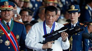 Presidentti Rodrigo Duterten kaudella Filippiinit on aloittanut aggressiivisen kampanjan huumerikollisuuden kitkemiseski.