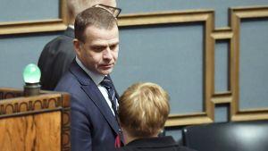 Pääministerin sijainen, valtiovarainministeri Petteri Orpo (kok.) eduskunnan suullisella kyselytunnilla torstaina 7. maaliskuuta.