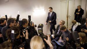 Pääministeri Juha Sipilä tiedotustilaisuudessa Kesärannassa Helsingissä 8. maaliskuuta