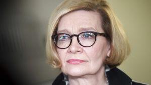 Puhemies Paula Risikko piti tiedotustilaisuuden eduskunnan puhemiesneuvoston kokouksen jälkeen Helsingissä perjantaina 8. maaliskuuta. Eduskunnan puhemies Paula Risikko piti tiedotustilaisuuden eduskunnan puhemiesneuvoston kokouksen jälkeen Helsingissä perjantaina 8. maaliskuuta.