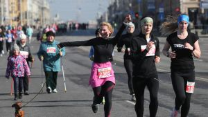 Valko-Venäjän Minskissä naistenpäivänä järjestettiin kauneusjuoksu-nimellä kulkenut tapahtuma.