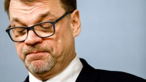 Pääministeri Juha Sipilä tiedotustilaisuudessa Kesärannassa.