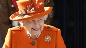 Kuningatar Elisabet II vieraili Lontoon tiedemuseossa tällä viikolla.
