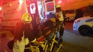 Pelastushenkilökunta auttoi yökerhoiskussa haavoittunutta Salamancassa.