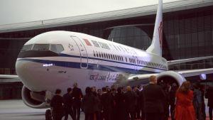 Air China juhlisti uutta Boeing 737 Max 8 -konetta viime joulukuussa. Maanantaina Kiina asetti kaikki tyypin koneet lentokieltoon.