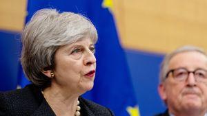 Britannian pääministeri Theresa May ja Euroopan komission puheenjohtaja Jean-Claude Juncker tapasivat maanantaina Strasbourgissa.