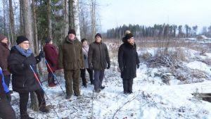 Lähialueen asukkaat vastustavat biokaasulaitoksen sijoittamista läheiselle teollisuustontille.