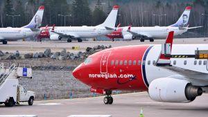 Boeing 737 -koneita Arlandan lentokentällä vuonna 2015.