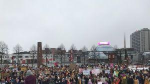 Tampereella osallistujia on paljon.