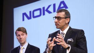 Risto Siilasmaa ja Rajeev Suri ilmoittivat Alcatel-Lucent -kaupoista huhtikuussa 2015.
