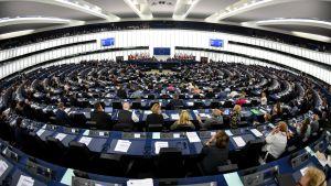Laajakuva Euroopan parlamentin istuntosalista Strasbourgista