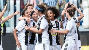 Tuija Hyyrynen ja Juventus juhlii