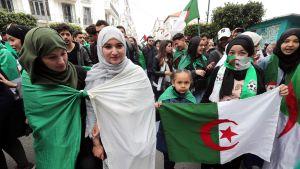 Mielenosoituksia  Algeriassa