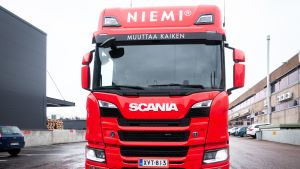 Scanian kaasuauto.
