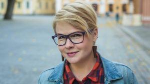 Lähikuvassa Turkuseuran uusi toiminnanjohtaja Kati Leskinen.