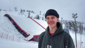 Elias Syrjä, freestyle-laskettelija.
