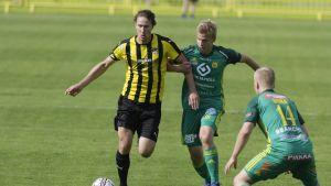 Honka ja Ilves kuuluvat HJK:n kovimpiin haastajiin alkavalla kaudella ja pyrkivät ylempään kuuden joukkueen mestaruussarjaan.