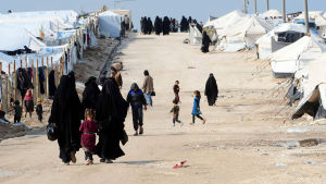 Isis-taitelijoiden perheitä al-Hol leirissä.