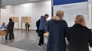 Eduskuntavaalien ennakkoäänestystä Hämeenlinnassa