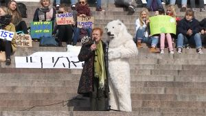 Tarja Halonen ja jääkarhu