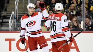 Sebastian Ahon ja Teuvo Teräväisen maalihanat Bostonia vastaan pitää aueta kunnolla perjantaina.