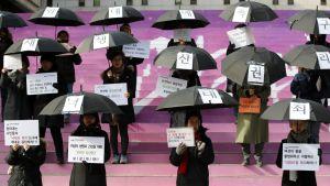 Vapaan aborttioikeuden puolustajia Etelä-Koreassa.