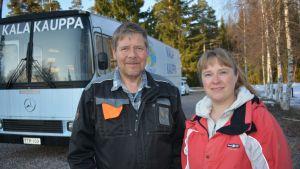 Jukka ja Saija Toivonen ovat valmiina myyntikierrokselle.