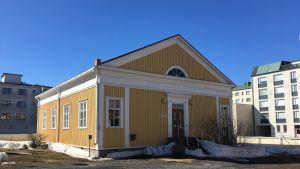 Kemin Historiallisen museon sisäpihan lisärakennus, niinsanottu B-rakennus.