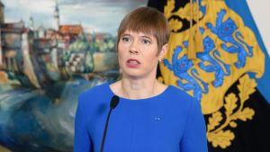 Viron presidentti Kersti Kaljulaid puhui toimittajille Tallinnassa 5. huhtikuuta.