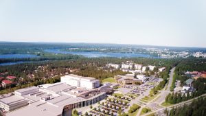 Ilmakuva Lapin keskussairaalan laajennuksesta.