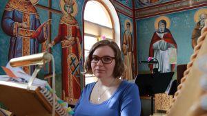 Annamari Moilanen ortodoksisen seminaarin kirkossa.