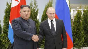 Kim Jong-un  ja Vladimir Putin.