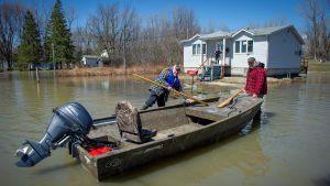 Tulvavettä Rigaudissa, Montrealissa 22. huhtikuuta.