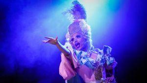 Betty Fvck, burleski, drag, Querelle