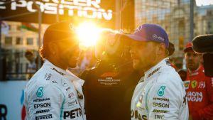 Hamilton ja Bottas Bakussa