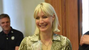 Kansanedustaja Laura Huhtasaari (ps.) Porin kaupunginvaltuustossa 29.4.2019.